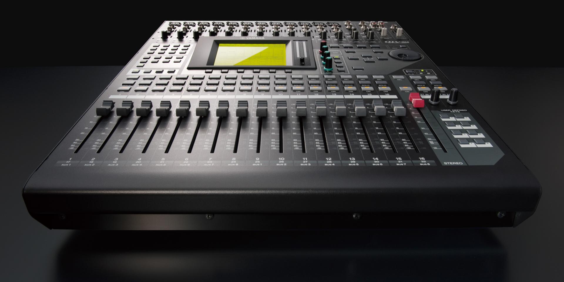 Lo 01V96i rappresenta l'evoluzione di uno standard, che si basa sulla configurazione ormai collaudata dei suoi predecessori, al fine di creare un mixer digitale compatto che soddisfa le esigenze di una vasta gamma di utenti.