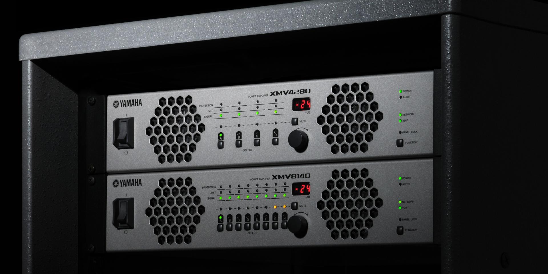 Gli amplificatori multi-canale Yamaha della serie XMV combinano l'efficienza della Classe D con caratteristiche appositamente progettate per le installazioni commerciali. La serie è costituita da 8 diversi modelli per soddisfare una vasta gamma di esigenze.